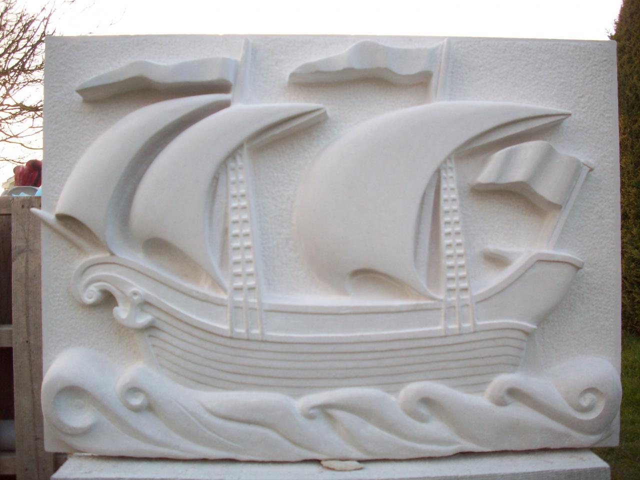 Bateau à voiles, genre caraque du 16 eme Siècle, sous le vent