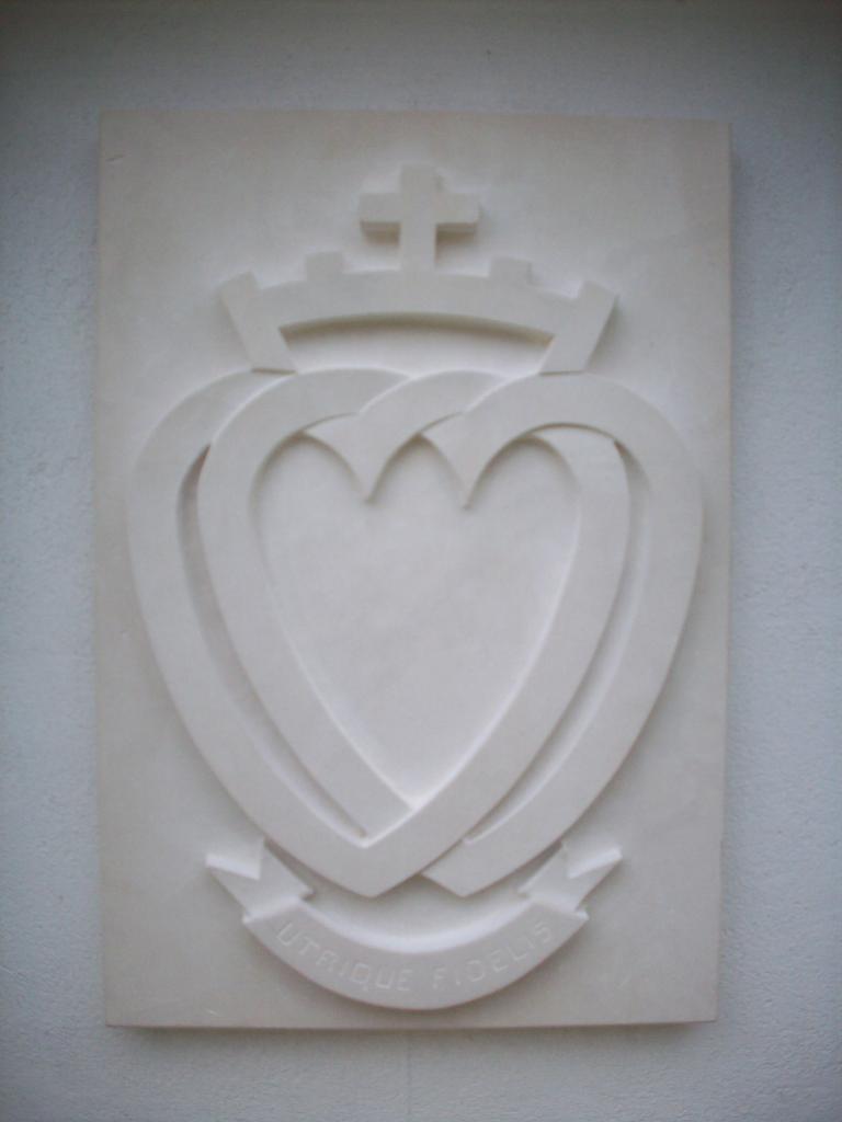 Le double coeur, symbole du département de la Vendée.