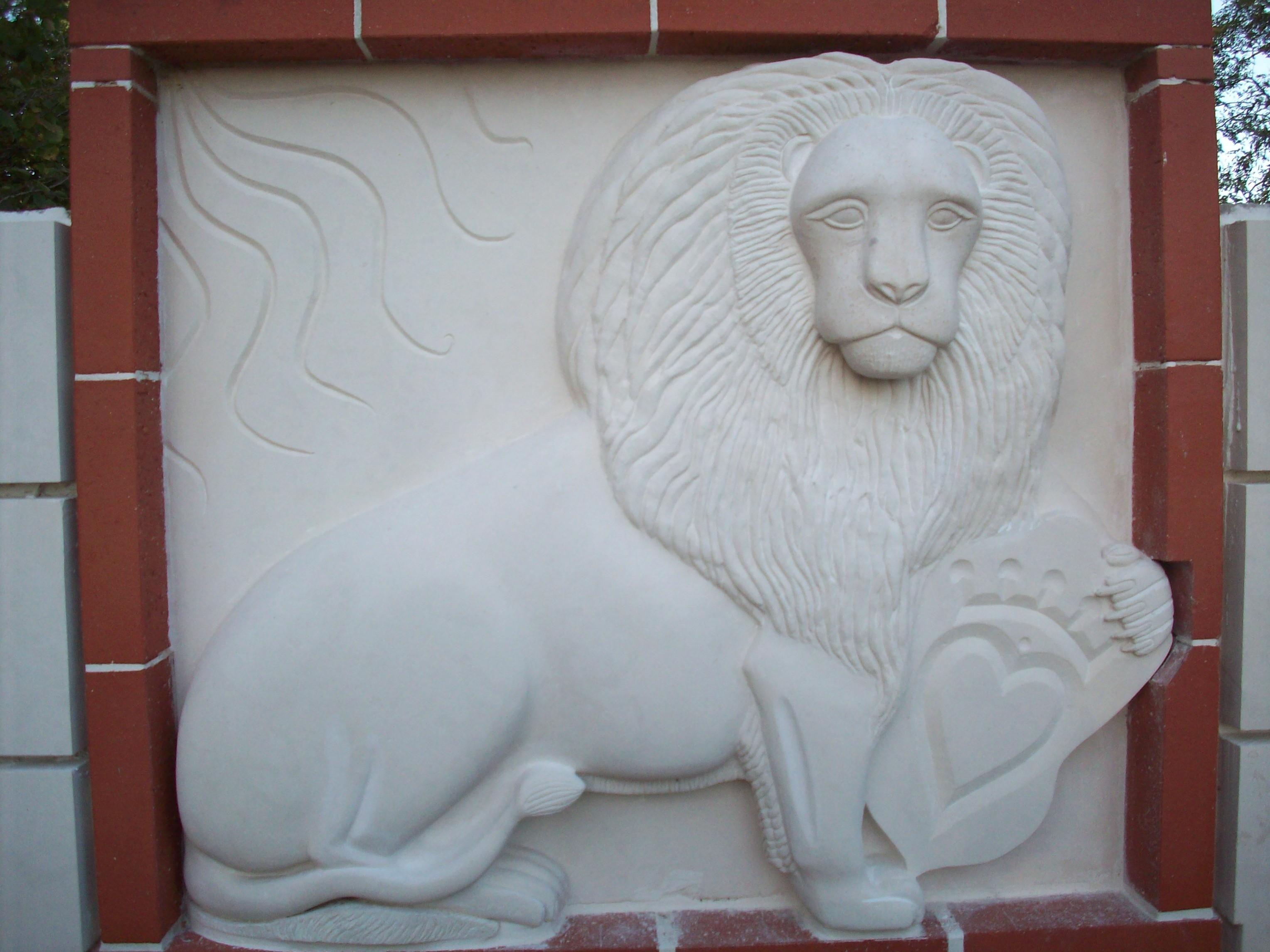 Le lion et la guimbarde
